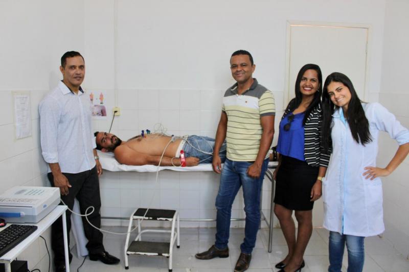Aparelho de eletrocardiograma é entregue ao Hospital Municipal de Itaetê