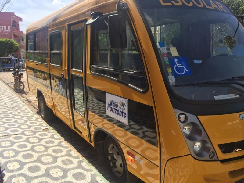 Prefeitura adquire Micro-ônibus para transporte de alunos