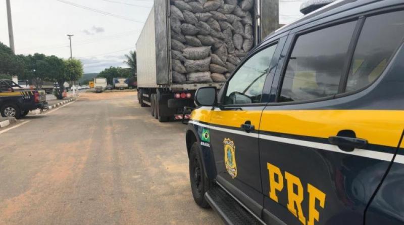 PRF apreende carga irregular de carvão vegetal na cidade de Seabra
