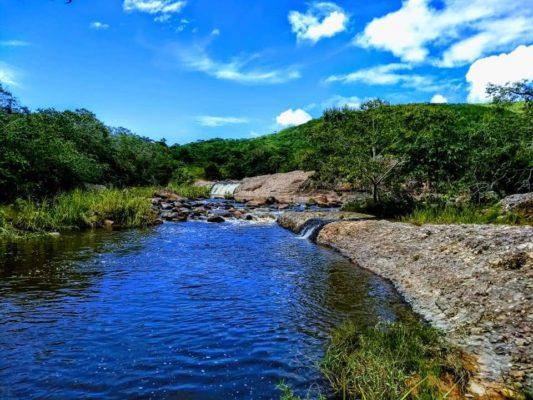 Aproveite o calor e conheça as lindas cachoeiras de Barra da Estiva