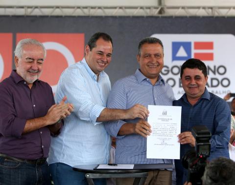 Rui celebra 500 viagens ao interior com entregas em Morro do Chapéu