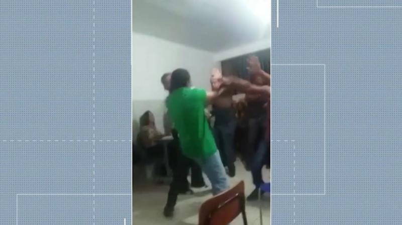 Chapada: Prefeito de Morro do Chapéu é flagrado dando tapa no rosto de empresário durante discussão