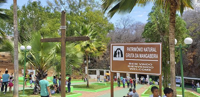 Romeiros de vários cantos do Brasil participam das festividades do Sagrado Coração de Jesus na Gruta em Ituaçu; veja o vídeo