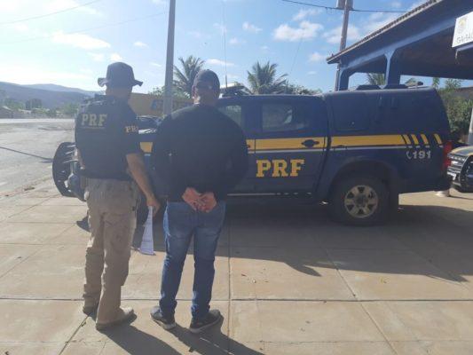 Chapada: homem com mandado de prisão por violência doméstica contra a mulher é preso em Seabra