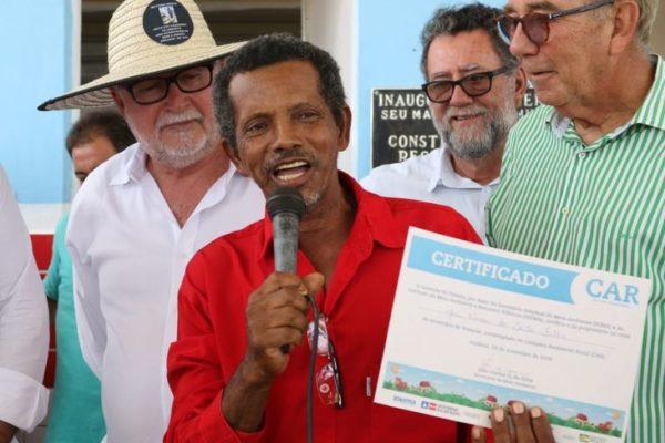 Chapada: Pequenos agricultores de Andaraí recebem cadastros ambientais rurais