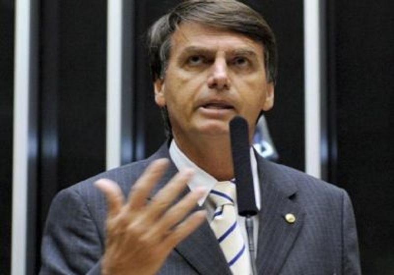 Bolsonaro lidera arrecadações com vaquinhas virtuais, diz coluna