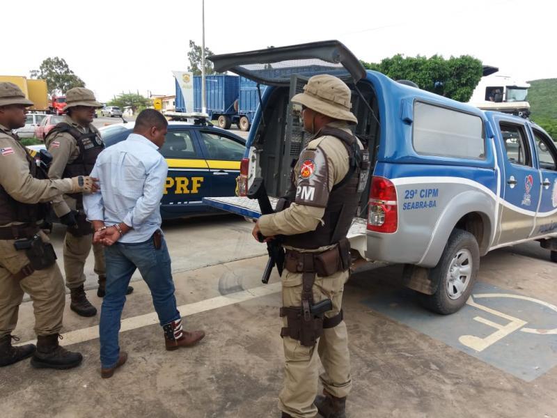 Estelionatário procurado em vários estados é preso em Seabra