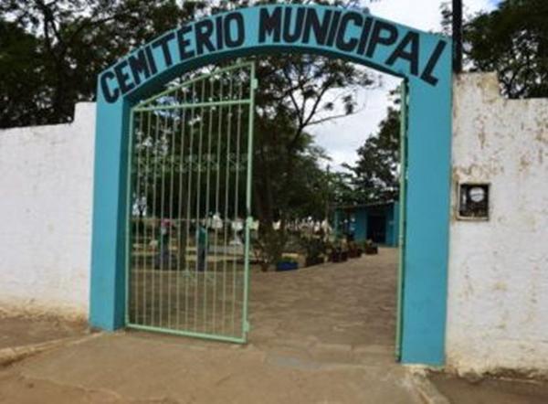 Conquista: Com cemitério lotado enterros são feitos no meio da rua