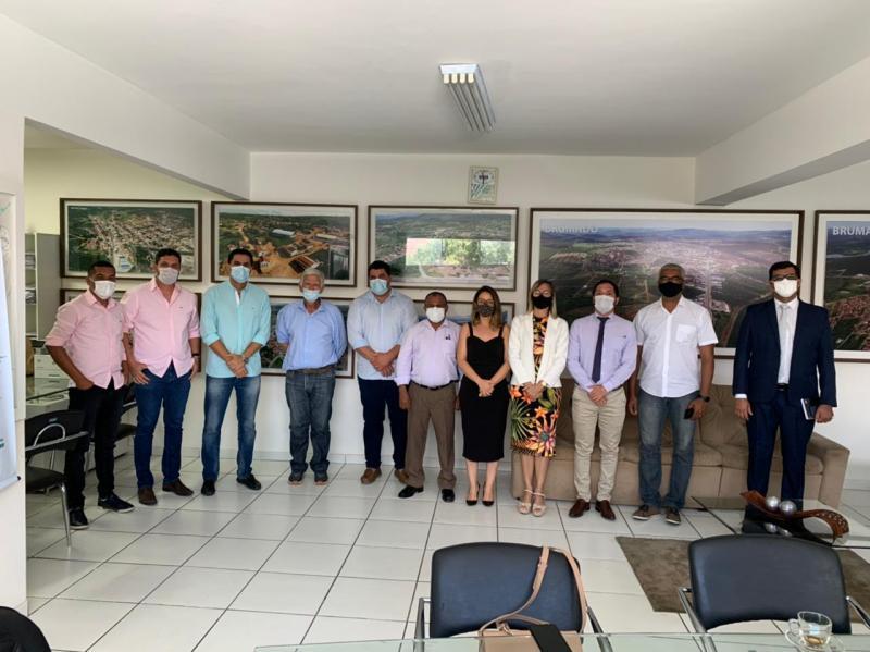 Prefeito de Itaberaba visita Escolas de Tempo Integral de Brumado, referência de ensino em todo país