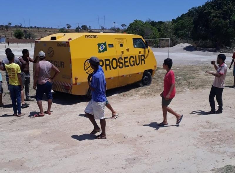 Grupo tenta assaltar carro-forte e troca tiros com seguranças na região da Chapada Diamantina