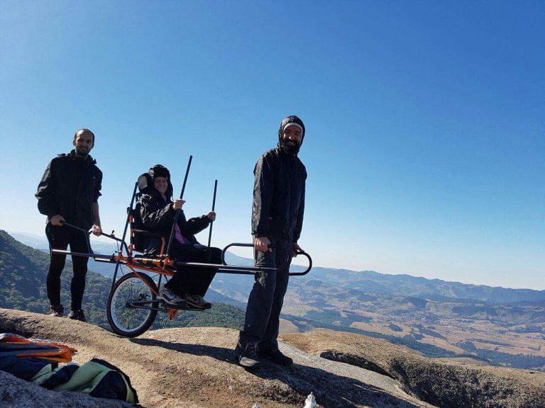 Chapada Diamantina recebe cadeira adaptada para pessoas com dificuldade de locomoção