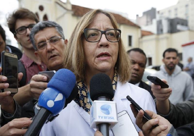Bolsonaro usará bolsa de colostomia por até três meses, diz médica