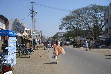 Na Índia, pai ateia fogo à filha por excesso de uso de celular