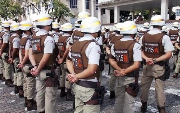 Bahia: Policiais militares decretam greve por tempo indeterminado